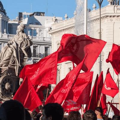 banderas_rojas_cibeles